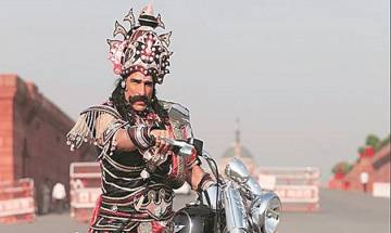 Demon King 'Ravana' rides Harley Davidson without helmet, challaned Rs 100 by Delhi Traffic Police