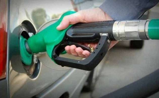 Petrol price falls Rs 2.5 per litre, diesel by Rs 2.25 as Centre slashes excise duty (PTI Photo)