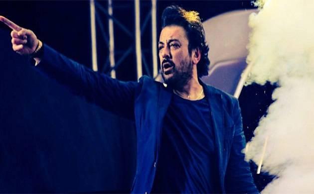 Adnan Sami, Omar Abdullah get in war of words on Twitter over Srinagar concert.