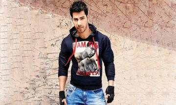 I am not a part of any rat race in Bollywood, says Varun Dhawan