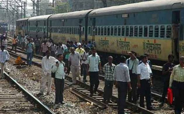 Mumbai: Teenager jumps from local train to escape molesters. (Representative Image)