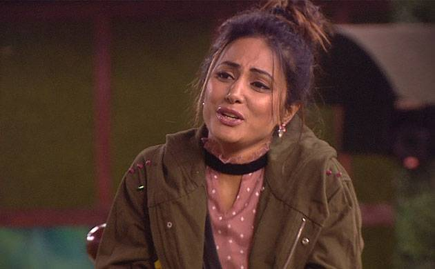 Bigg Boss 11 Hina Khan S Family Reacts To Her Emotional Breakdown