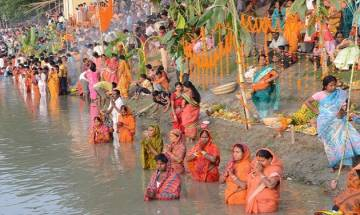 Chhath Puja 2017: Devotees offer 'Argh' to rising sun across India