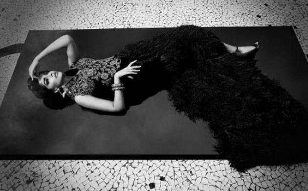 Sonam Kapoor looks ravishing in THIS white and black picture