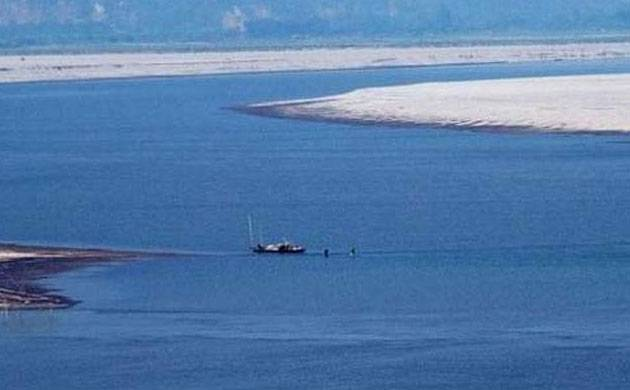China mulls 1000 km tunnel to divert water from Brahmaputra river
