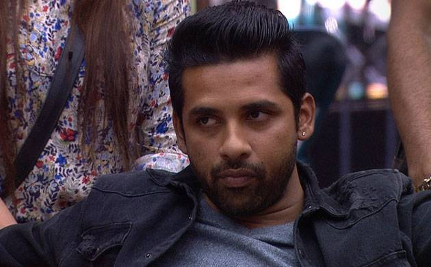 Bigg Boss 11: Puneesh Sharma PEES in his pants on national television (watch video)