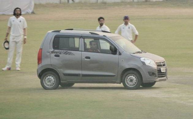 Delhi-UP Ranji Trophy match interrupted by stray car