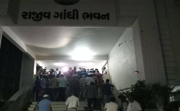 Congress gives three reservation options for Patidar to Hardik Patel