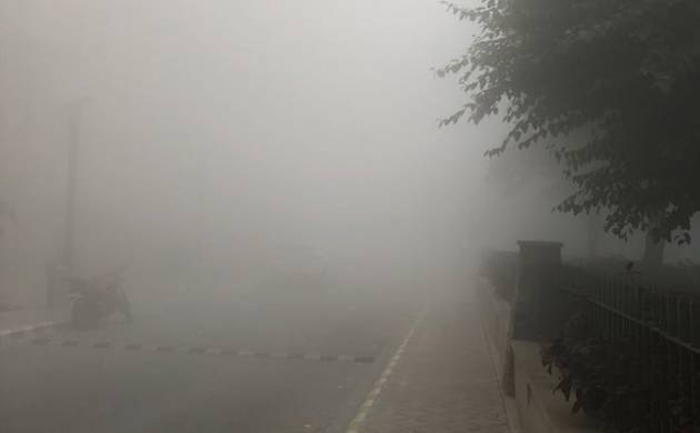 Delhi: Driver misses turn due to Smog, falls into Yamuna river, 2 died