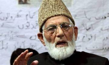 Hurriyat leader Geelani lashes out at Farooq Abdullah for dismissing independent Kashmir talk