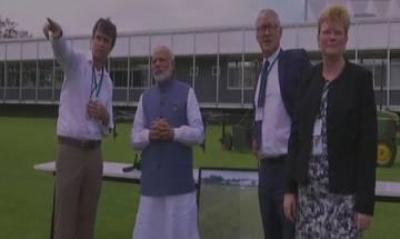 ASEAN Summit : PM Narendra Modi visits Mahaveer Philippine Foundation in Manila