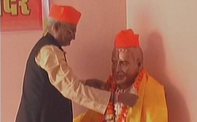 Hindu Mahasabha installs statue of Gandhi killer Nathuram Godse in Gwalior