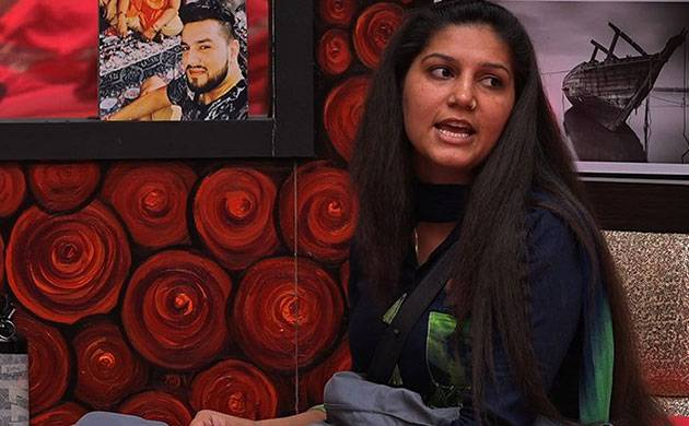 Bigg Boss 11: Episode 49, Day 48 LIVE updates: Who will win 'Feel The Fizz Task'?