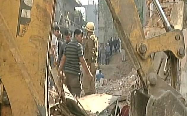 Delhi: 50-year-old building collapsed in Taimur Nagar, 2 dead (ANI Photo)