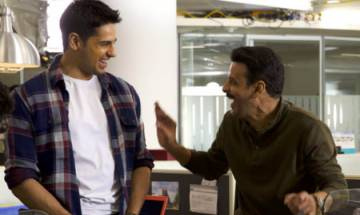 TRENDING! Sidharth Malhotra and Manoj Bajpayee's candid pic from the sets of 'Aiyaary'