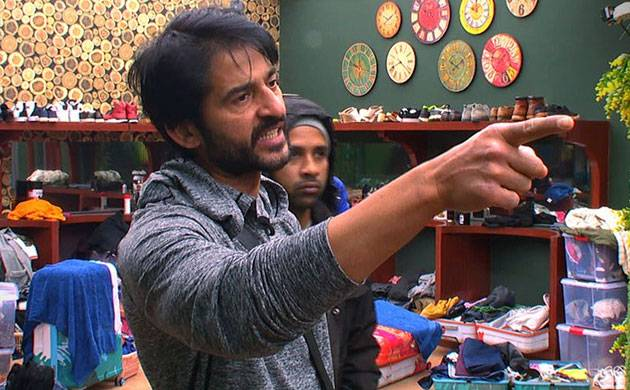 Bigg Boss 11: Hiten Tejwani gets into his first big fight on show (see video)