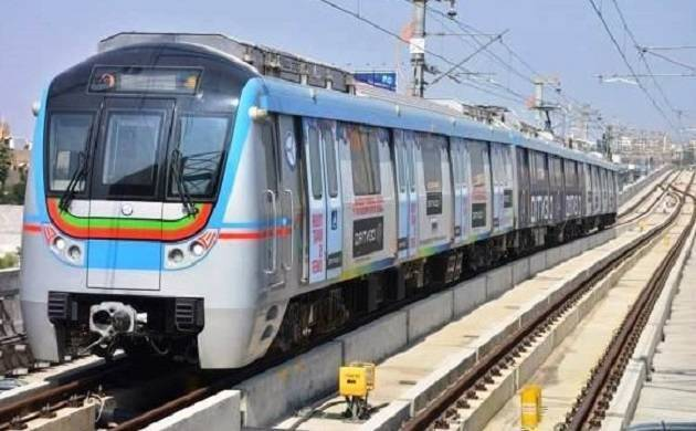 Hyderabad Metro gets overwhelming welcome, over 2 lakh passengers travel on day 1 (File Photo)