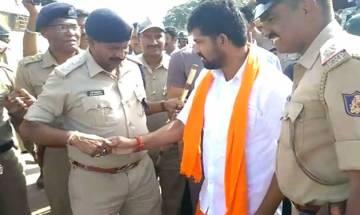 WATCH | BJP MP drives into police barricade, almost mows down policemen on duty in Mysuru