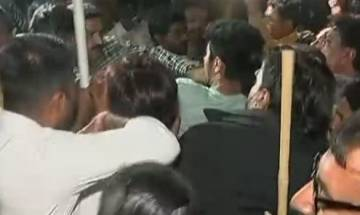 Gujarat polls 2017: Scuffle breaks out between BJP, Cong workers in Rajkot