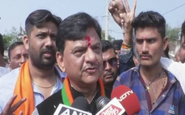 Gujarat Election: BJP candidate sparks row, says 'need to reduce topi and daddhiwalas' (Source: ANI)