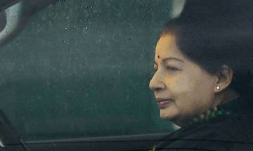 Jayalalithaa was brought in breathless state and recovered after treatment, claims Apollo official