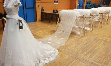 World's longest wedding dress train that could almost cover Mount Everest