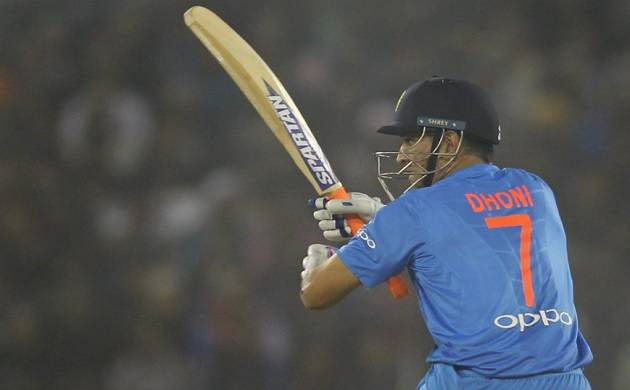 IND vs SL,1st T20 Live: Dhoni, Pandey boost India to 180