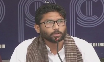 Jignesh Mewani attacks PM Modi, asks him to choose between Manusmiriti and Constitution