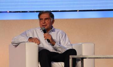 Ratan Tata worships at Tirumala temple