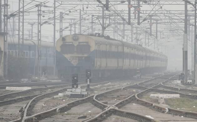 Mercury rises to 6.8 deg C, fog affects train service (pic credit: PTI)