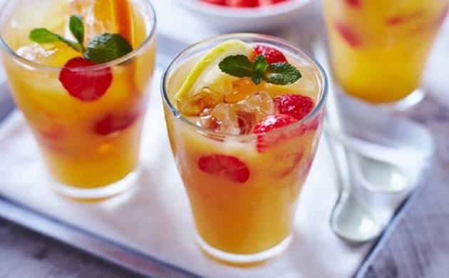 Having 100 percent fruit juice safe for diabetics; Does not raise blood sugar levels (Representative Image)