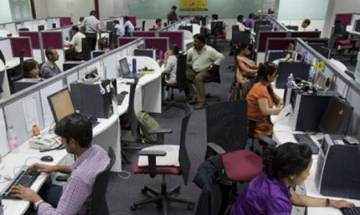 Gurgaon police busts illegal call centers, arrest 30