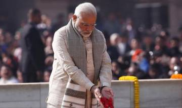 PM Modi, Congress President Rahul Gandhi pay homage to Mahatma Gandhi