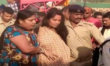BJP worker's wife hurls eggs on Odisha chief Minsiter Naveen Patnaik in Balasore