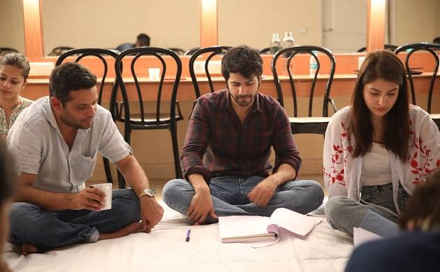 Anushka Sharma, Varun Dhawan attend workshop for upcoming film Sui Dhaaga - Made in India (Photo Source: Twitter)