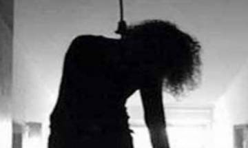 Hyderabad girl commits suicide while on Facebook video call with 'boyfriend'