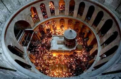 Christian leaders close church at Jesus's burial site in tax dispute