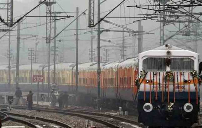 RRB 2018: Notification for application for 885 Group C posts released (Source: PTI)