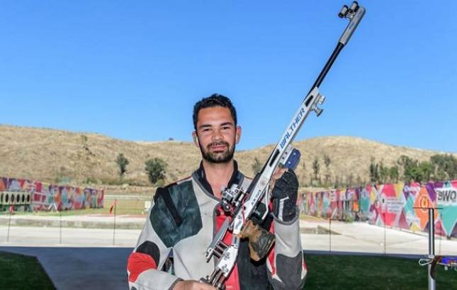 ISSF World Cup: Anish Sheoran CLINCHES gold in men's 50 m rifle prone event  (Source- ISSF's Twitter)