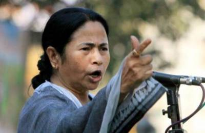 Mamata Banerjee welcomes TDP's move to quit NDA, urges all opposition parties to save country from disaster