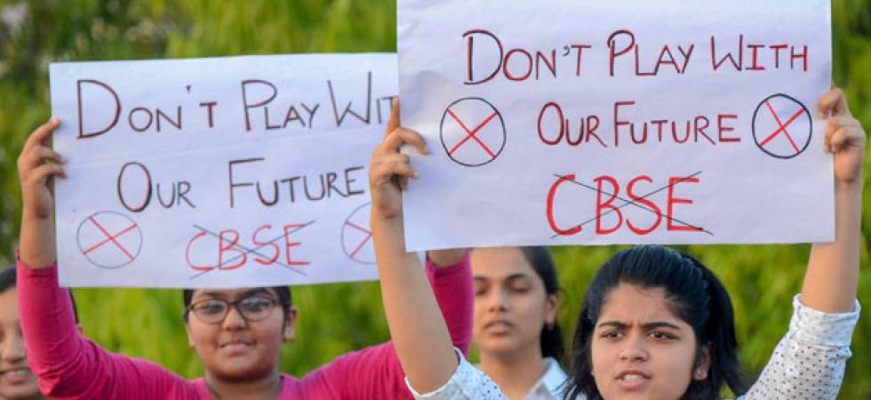 Students stage protest against CBSE Paper Leak in front of CBSE office in Delhi