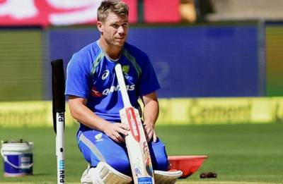 David Warner issues tearful apology over ball tampering