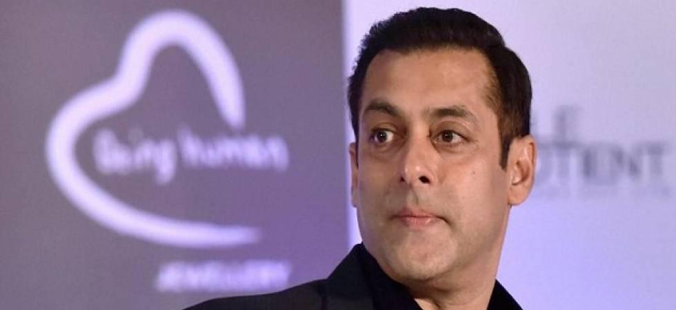 Salman Khan sheds 'tears of gratitude' for fans (Photo Source: PTI)