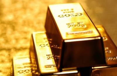 Gold sizzles at 32K-mark on firm global cues, jeweller buying