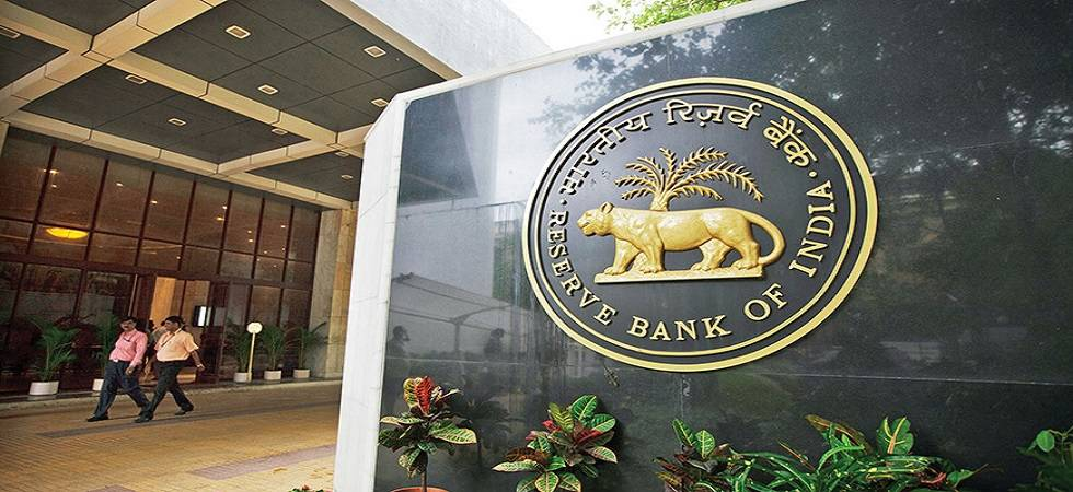 RBI sets rupee reference rate at 65.6124 against US dollar (File Photo)