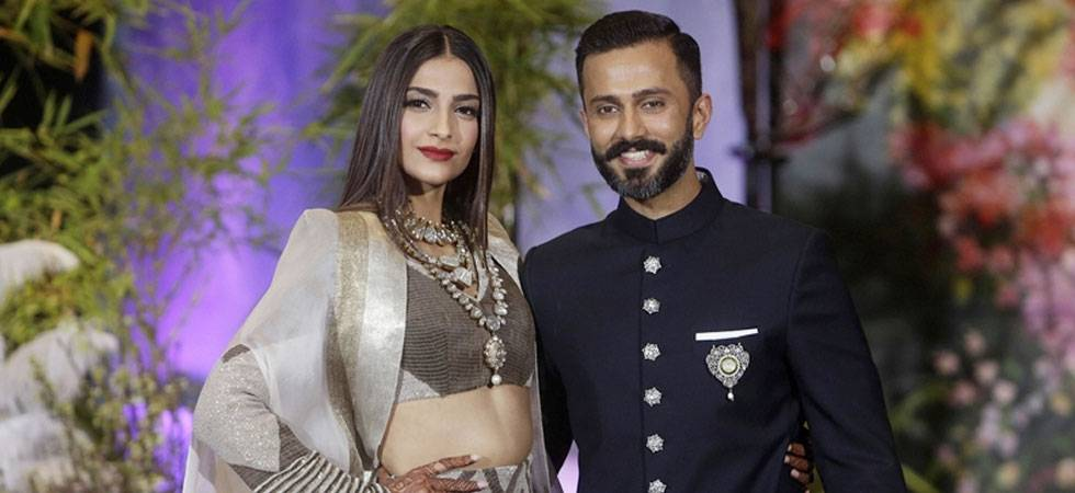 Sonam Kapoor, Anand Ahuja shares pictures of their first kiss post wedding