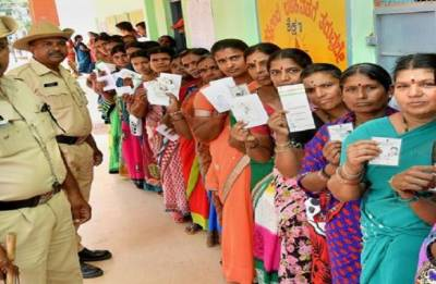 Karnataka Assembly Elections 2018: Total voter turnout at 70%, tight finish predicted