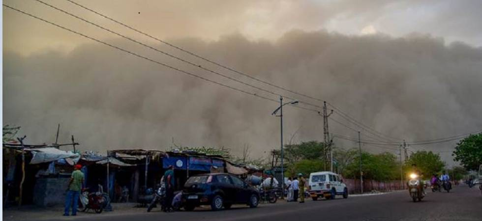 Thunderstorm Alert! Massive dust storm with gusty winds, rain likely to hit Delhi-NCR region (Photo Source: PTI)