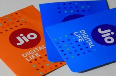 Reliance Jio launches Holiday Hungama pack, offers Rs 100 Instant discount on Rs 399 plan