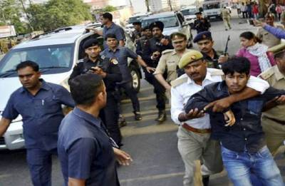 10 arrested for waving black flags at UP CM Yogi Adityanath
